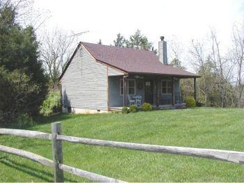 Deerfield cottage at autumn ridge lexington virginia for Cabin rentals near lexington va